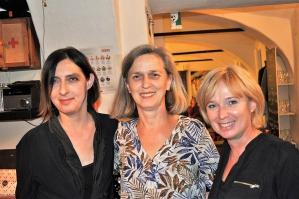 Doroteja Lipković sa svojimi družicami