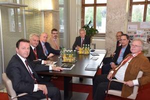 Niki Berlakovich, Reinhold Lopatka i zastupniki narodnih grup (med njimi predsjednik HKD-a Stanko Horvath)