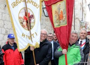 Delegacija iz Gradišća sa zastavami