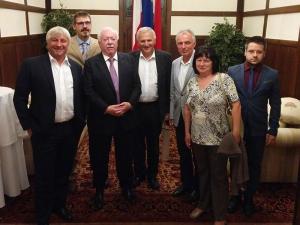 Volksgruppenbeiratsmitglieder mit Bgm. Dr. Michael Häupl